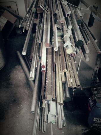 metal-meterials-rack